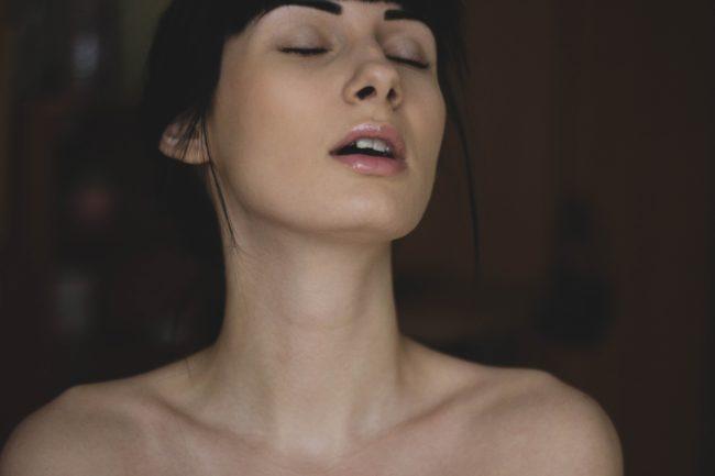 model-nude-sex-185481-650x433