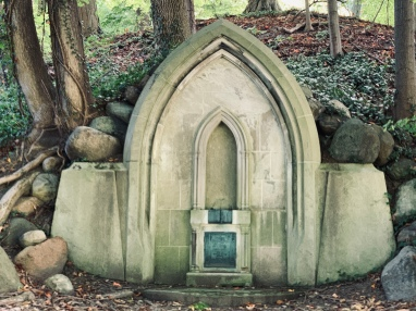 Louis Strong Crypt